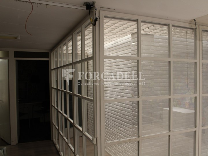 Commercial premises available in the center of Terrassa, a few meters from Plaça Vella. Barcelona. 6