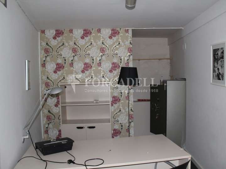 Commercial premises available in the center of Terrassa, a few meters from Plaça Vella. Barcelona. 8