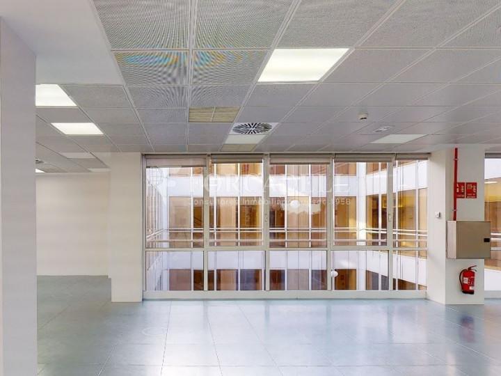 Oficina diáfana y luminosa en alquiler en calle Arturo Soria, Madrid. 1