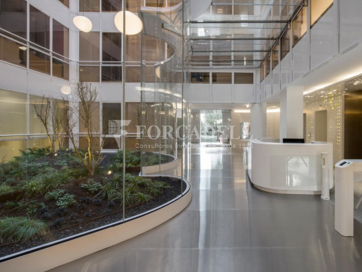 Oficina diáfana y luminosa en alquiler en calle Arturo Soria, Madrid. 5