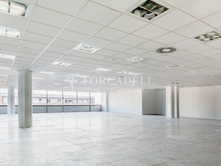 Oficina diàfana en lloguer al carrer Albasanz. Madrid. #1