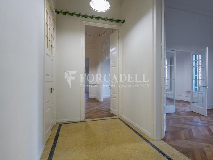 Oficina reformada de lloguer a la Gran Via de les Corts Catalanes, Barcelona 13