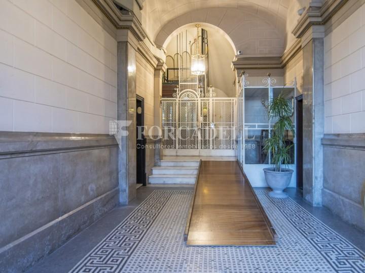 Oficina reformada de lloguer a la Gran Via de les Corts Catalanes, Barcelona 26