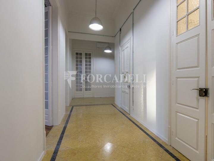 Oficina reformada de lloguer a la Gran Via de les Corts Catalanes, Barcelona 28