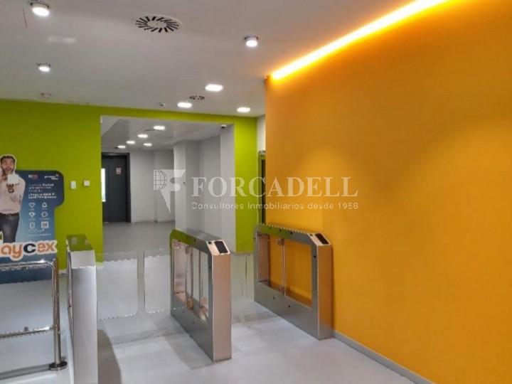 Edifici corporatiu implantat en lloguer al carrer Lérdida. Madrid. #2