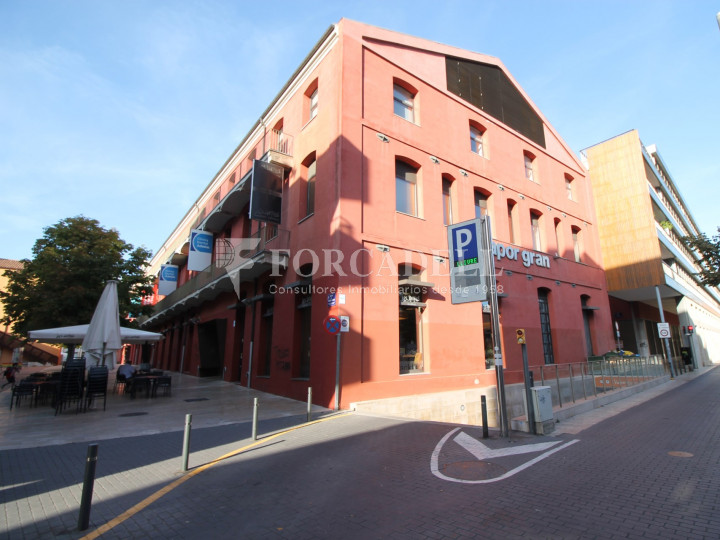 Corner commercial premises on Sant Genís street, in Terrassa, Barcelona. #7