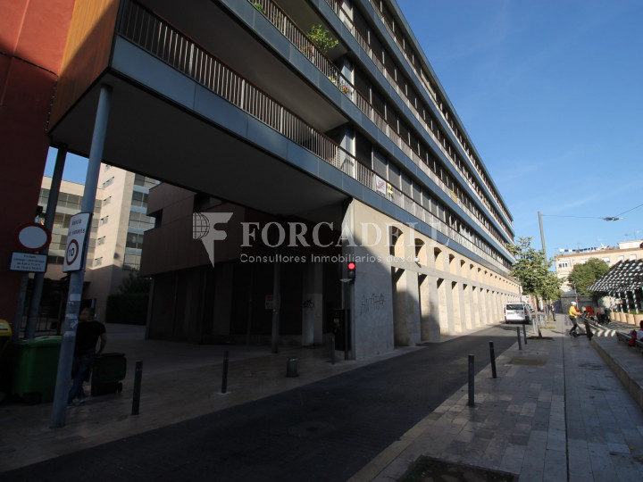 Corner commercial premises on Sant Genís street, in Terrassa, Barcelona. #5