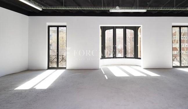 Edifici representatiu d'oficines en lloguer a la Rambla de Barcelona. #2