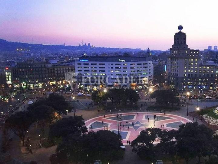 Edifici representatiu d'oficines en lloguer a la Rambla de Barcelona. #9