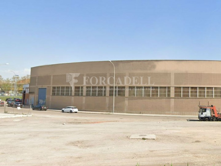 Nau industrial en lloguer de 3.475 m² Sabadell, Barcelona #1