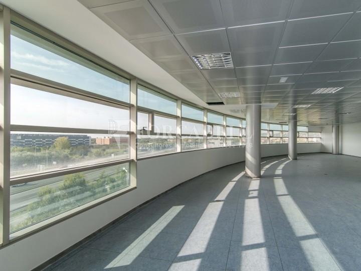 Oficina en lloguer a l'edifici Logic I. Castelldefels.  2