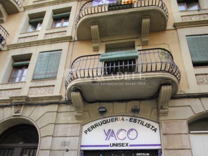 Local de lloguer al districte de l'Eixample, al barri de l'Eixample dreta. Barcelona. #2