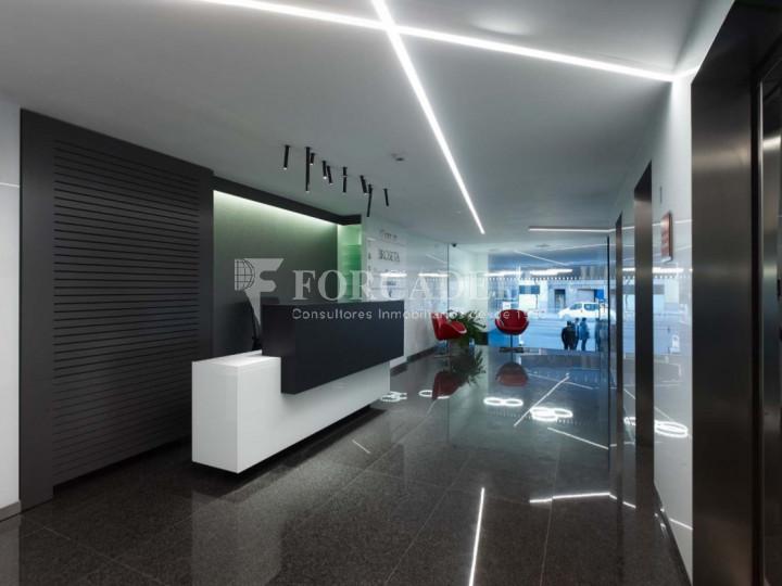 Oficina exterior i lluminosa en lloguer al carrer Goya. Madrid. 4