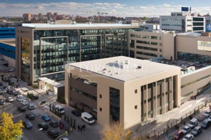 Excel·lent oficina en lloguer al Parc Empresarial Manoteras. Madrid. 3