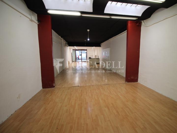 Local comercial situat al districte número 1, al barri Centre, a Sabadell. Barcelona. 8