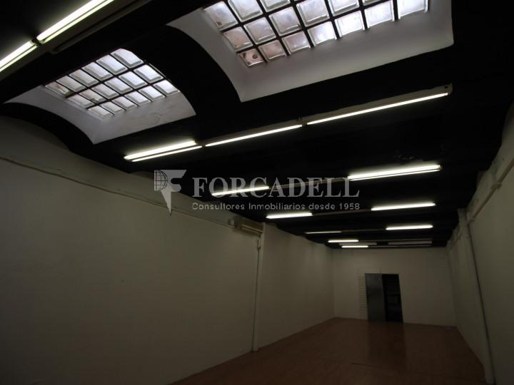 Local comercial situat al districte número 1, al barri Centre, a Sabadell. Barcelona. 10