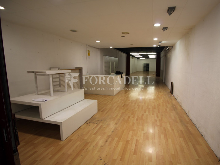 Local comercial situat al districte número 1, al barri Centre, a Sabadell. Barcelona. 3