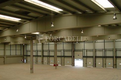 Nave logística en alquiler de  2.275 m² - Barcelona 10