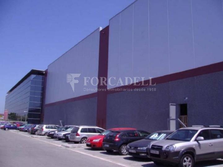 Nave logística en alquiler de  2.275 m² - Barcelona 13