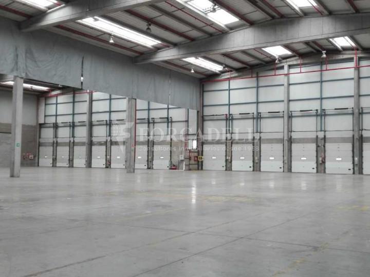 Nau logística en lloguer de 2.275 m² - Barcelona 2
