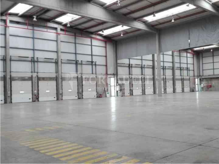 Nau logística en lloguer de 2.275 m² - Barcelona 4