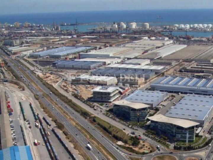 Nave logística en alquiler de  1.860 m² - Barcelona 5