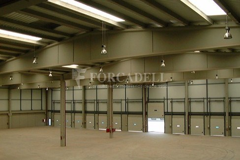 Nau logística en lloguer de 2.031 m² - Barcelona 6
