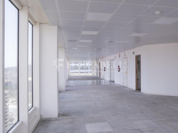 Oficina en lloguer a prop de l'estació de Sants. C. Tarragona 8