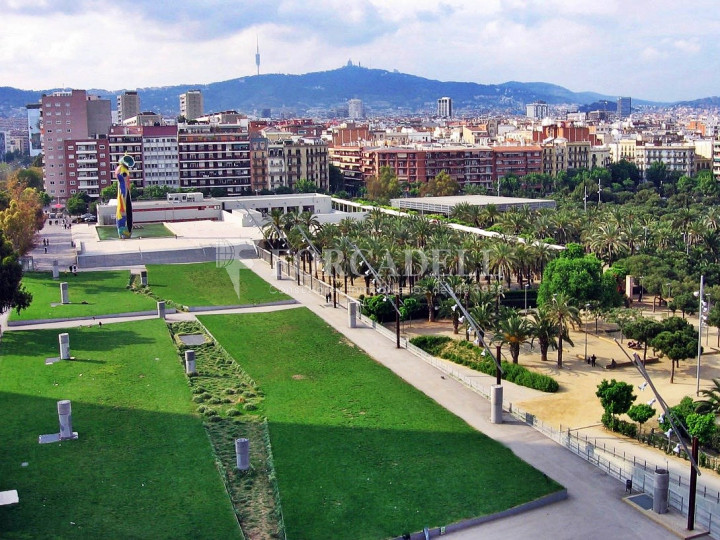 Oficina en lloguer a prop de l'estació de Sants. C. Tarragona 10