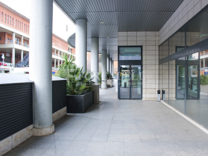 Oficina lluminosa de lloguer a Avinguda Manoteras, Madrid. 17
