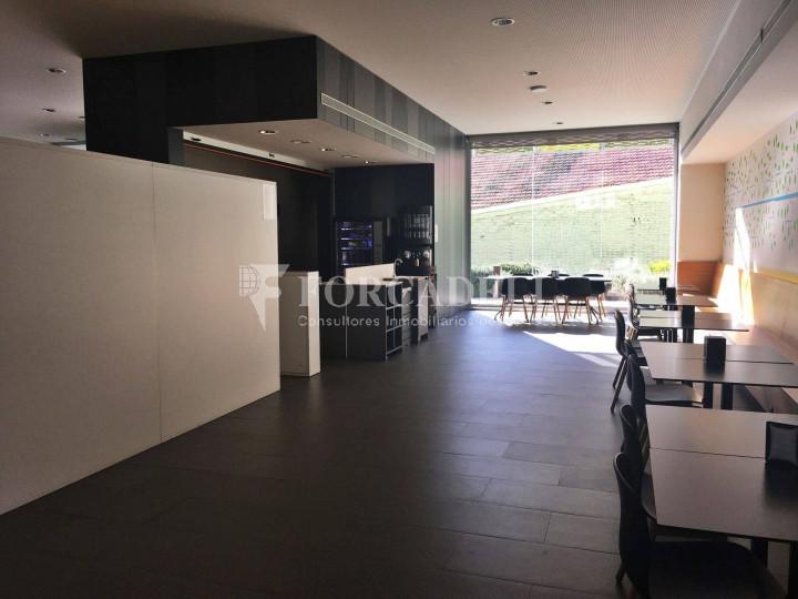 Oficina en lloguer lluminosa i diàfana al districte 22@. C. Pallars. 3