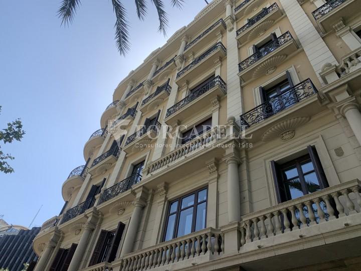 Oficina disponible en l'Avinguda Diagonal entre els carrers Aribau i Muntaner. Barcelona. 1