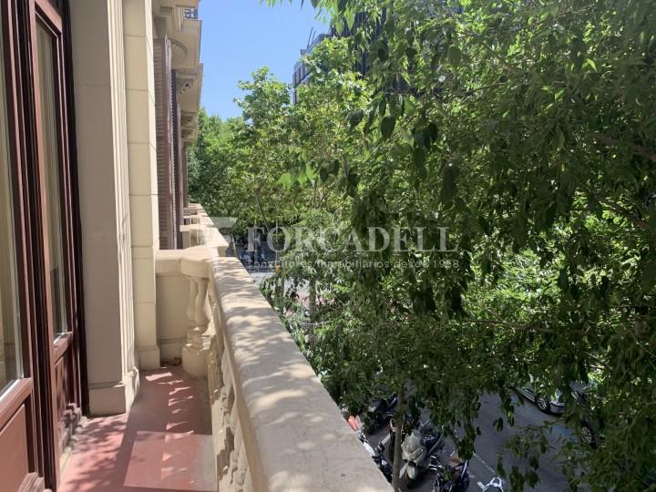 Oficina disponible en l'Avinguda Diagonal entre els carrers Aribau i Muntaner. Barcelona. 2
