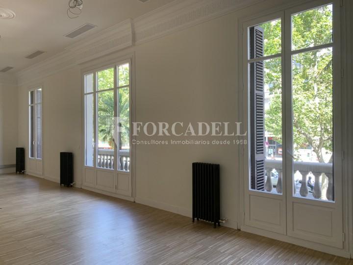 Oficina disponible en l'Avinguda Diagonal entre els carrers Aribau i Muntaner. Barcelona. 3
