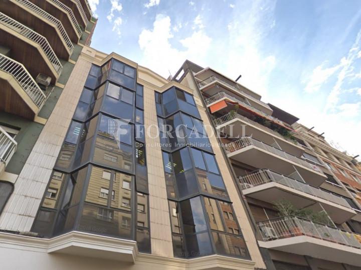 Oficina reformada a l'Av. Riera de Cassoles, pròxima a la plaça Lesseps. Barcelona 1