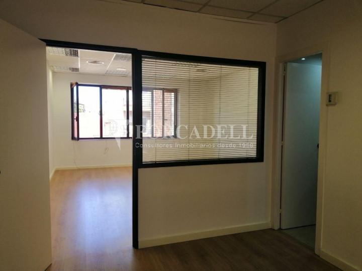 Oficina reformada a l'Av. Riera de Cassoles, pròxima a la plaça Lesseps. Barcelona 9