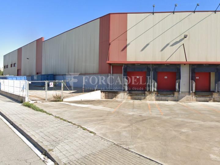 Nave logistica en alquiler de 6.680 m² - Parets del Vallès, Barcelona. 1