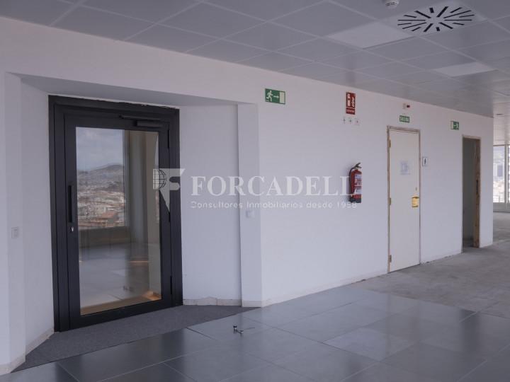 Oficina en lloguer a prop de l'estació de Sants. C. Tarragona 9