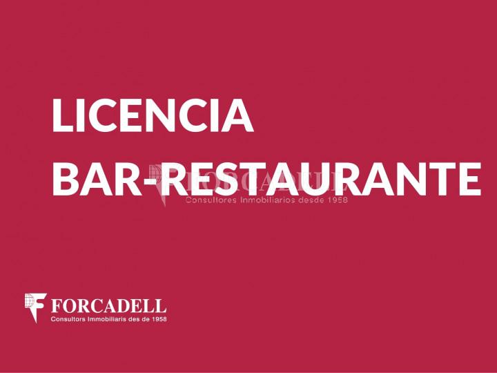 Bar-Restaurant situat al districte de Ciutat Vella, al barri del Gòtic. Barcelona.  1