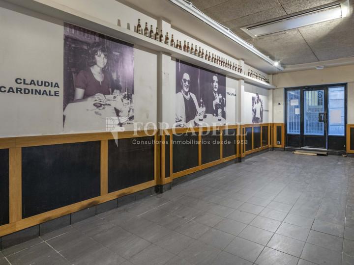 Bar-Restaurant situat al districte de Ciutat Vella, al barri del Gòtic. Barcelona.  18