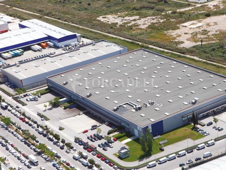 Nave logística en alquiler de 2.352 m² - Prat de Llobregat, Barcelona. 1