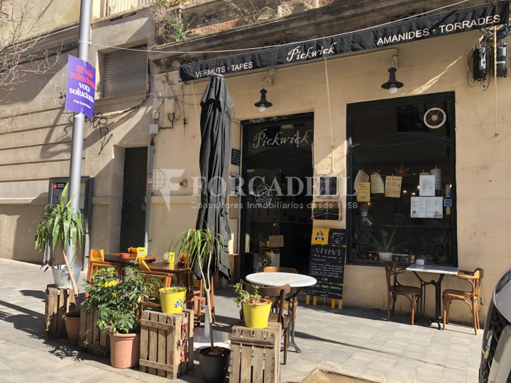 Local comercial amb llicència C-2 situat al districte de Sants-Montnuïc, al barri de Sants. Barcelona. 8