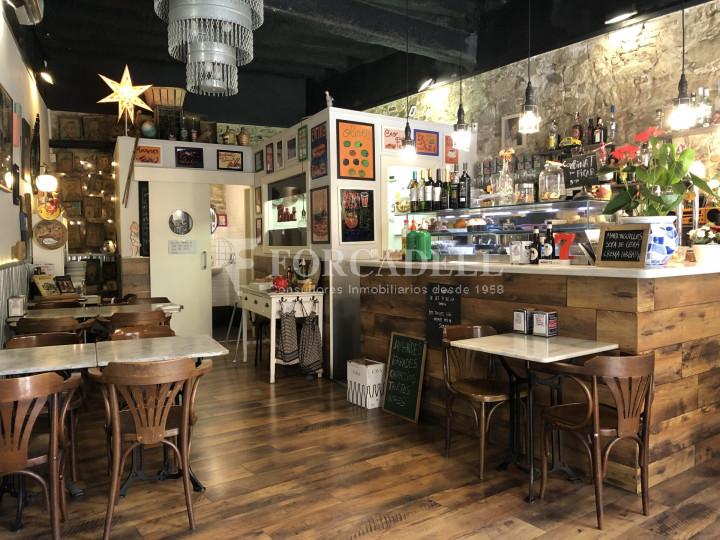 Local comercial amb llicència C-2 situat al districte de Sants-Montnuïc, al barri de Sants. Barcelona. 3