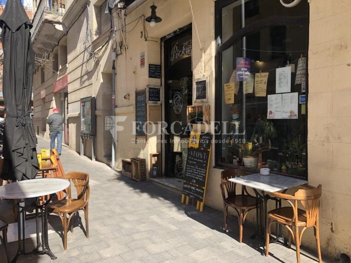 Local comercial amb llicència C-2 situat al districte de Sants-Montnuïc, al barri de Sants. Barcelona. 4