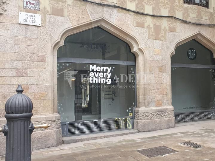 Local comercial cantoner situat a pocs metres de l'Avinguda del Marquès de l'Argentera, a Ciutat Vella. Barcelona. 6