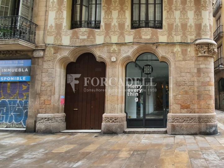 Local comercial cantoner situat a pocs metres de l'Avinguda del Marquès de l'Argentera, a Ciutat Vella. Barcelona. 7
