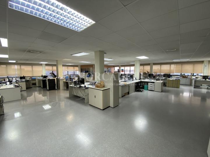 Edifici corporatiu en el lloguer de 3.654 m² - Hospitalet de Llobregat, Barcelona  4