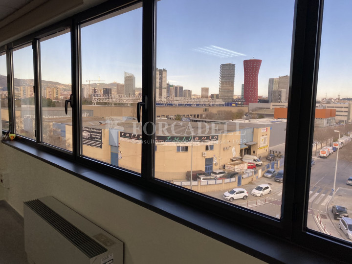Edifici corporatiu en el lloguer de 3.654 m² - Hospitalet de Llobregat, Barcelona  8