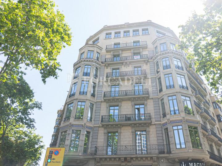 Oficina lluminosa de lloguer al Passeig de Gràcia. Zona prime Barcelona. 16