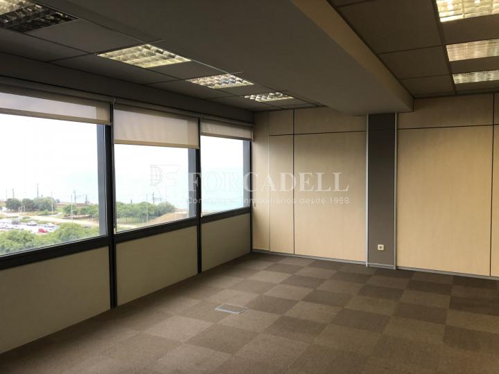 Oficina con vistas panorámicas en alquiler en la Torre d'Ara Premium. Mataró. 4